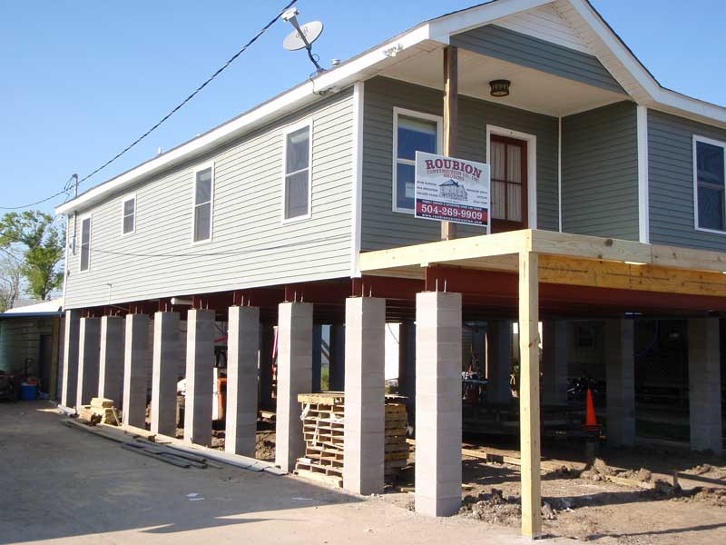 Homes With Garages Under House : Drive under garage roubion shoring construction