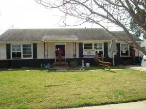 Roubion Shoring is raising a house in Arabi - New Orleans