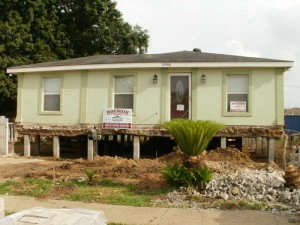 Roubion Shoring is raising a house in Kenner - New Orleans